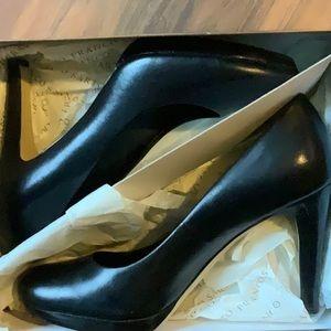 Franco Sarto black round toe pumps